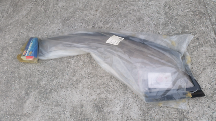 2000 - 2005 toyota avalon wind shield drivers side aunger brand