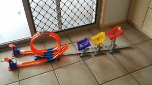 Hot Wheels limit jump track-very good condition