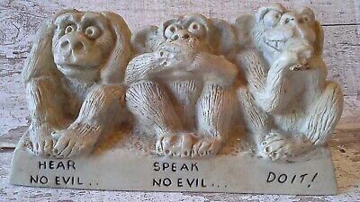 11562 Monkey Hear No Evil ~ Ojime Bead