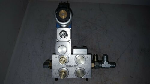 Rexroth Hydraulic Valve Assembly, R900942921, 4WE6J73-62/EG12N9K4/A12