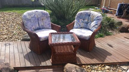 3 peice outdoor cane setting  Browns Plains Logan Area Preview