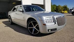 * *  2009 CHRYSLER 300 TOURING * 6 MONTH WARRANTY INCLUDED * *