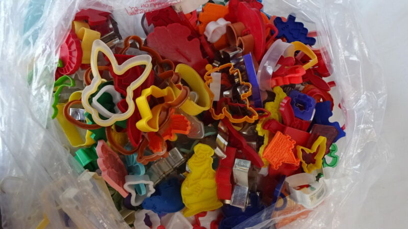 COOKIE CUTTERS Huge Lot of 157 Great for Baking Crafts Clay Holidays Events  C