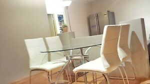 FREE Dining chairs 4x white leather (peeling)