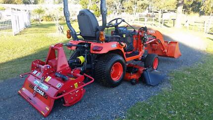 Kubota BX2670 Tractor, Loader, Mower and Rotary Hoe...As NEW