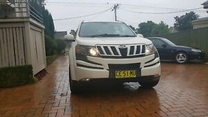 2014 7 Seater All-Wheel-Drive SUV with low kms