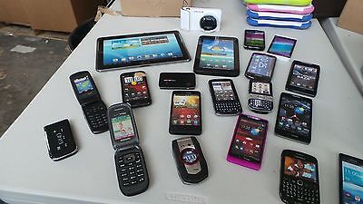 Lot of 100 Cell Phone tablets Dummies Display Phones Look Real Parts Name Brands