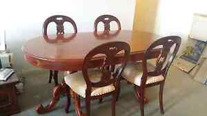 Table and 4 chairs Marrickville Marrickville Area Preview