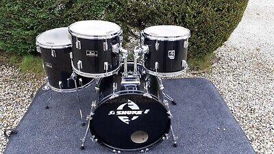 Pearl Forum/PP black 5 drum kit in black