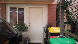 Granny flat / ensuite with seperate entry Hillside Melton Area Preview