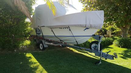 Fraser 5.5m Ski/Fish/Runabout in great condition