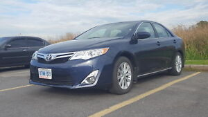 2014 Toyota Camry XLE. ONLY 16,500 KMS. LIKE NEW. LEATHER.