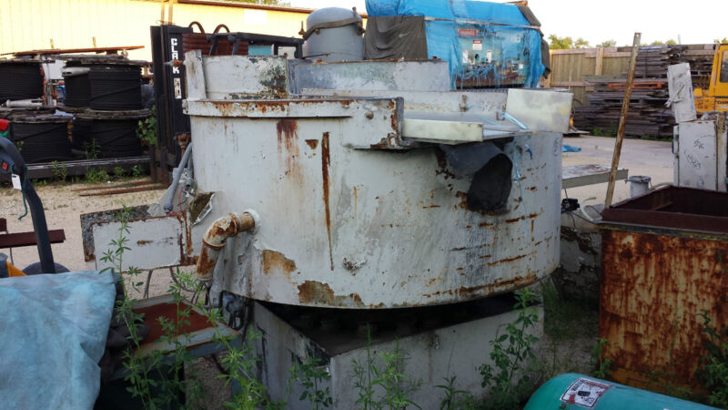 """12 Cubic Foot x 60"""" Dia. Vibratory Bowl Deburring/Finisher Good Liner & Ejection"""