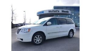2009 Chrysler Town & Country TOURING, POWER SLIDING DOORS/LIFTGA