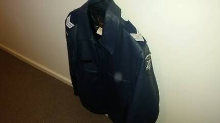 VICTORIA POLICE OBSOLETE LEATHER JACKET 1990's error