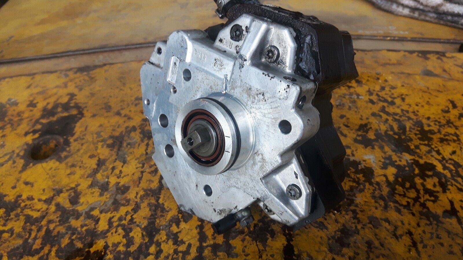 VOLVO S80 S60 V70 XC90 2.4D D5 BOSCH FUEL INJECTION PUMP 0445010043 8689590