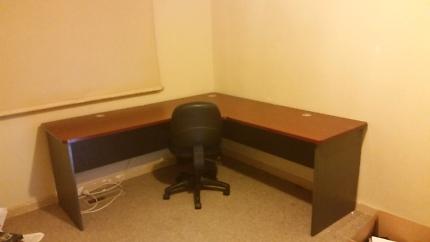 L sahped Desk