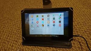 SELLING MY old Dragon Touch X10 Tablet WITH FREE CASE