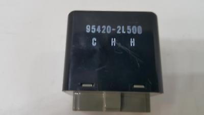 Genuine Hyundai 95420-2L500 Wiper Relay Assembly Rear