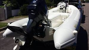 INFLATABLE  BOAT Marks Point Lake Macquarie Area Preview