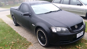 Holden omega ute 6 speed manual black P plate legal Hoppers Crossing Wyndham Area Preview