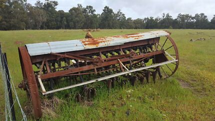 Vintage farm seeder , make an offer