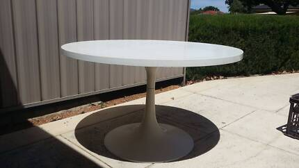 tulip table and 4 chairs