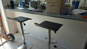 2 x adjustable bar stools Hamilton Hill Cockburn Area Preview