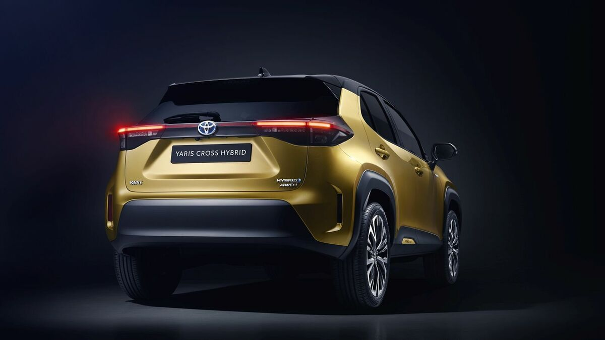 TOYOTA_NEW_YARIS_CROSS_REAR