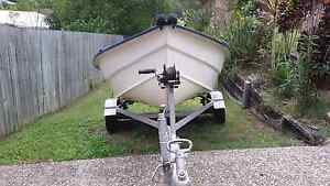 Very  cheap 3.3 mtr river boat with 9.9 Johnson motor Yandina Maroochydore Area Preview