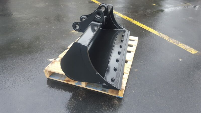"""New 48"""" Yanmar B50 Excavator Ditch Cleaning Bucket With Bolt On Edge"""