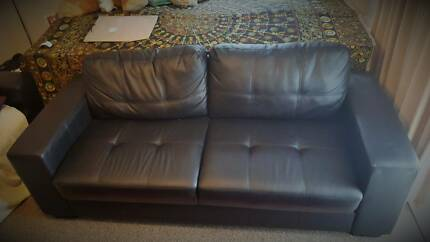 3 seater sofa in immaculate condition