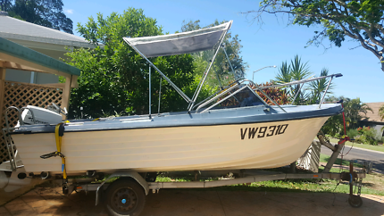 Boat 18 foot fully restored +Johnson 70hp electric motor.