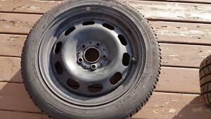 Pneu d'hiver toyo 195/55 R sur roues 16 pouces pour mini cooper
