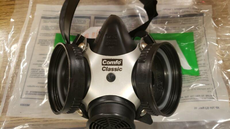 NEW - MSA Comfo Classic 808071 Half-Mask Respirator Face Piece Silicone. Medium