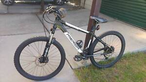 Merida matts 21 speed MTB excellent condition suit small rider