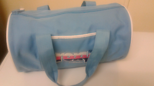 Roxy Ladies Duffle Overnight or Gym Bag Kelso Townsville Surrounds Preview