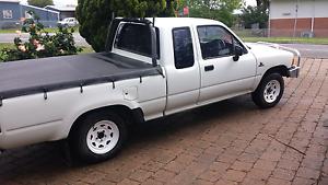 Toyota hilux 2wd king cab Bellbird Cessnock Area Preview