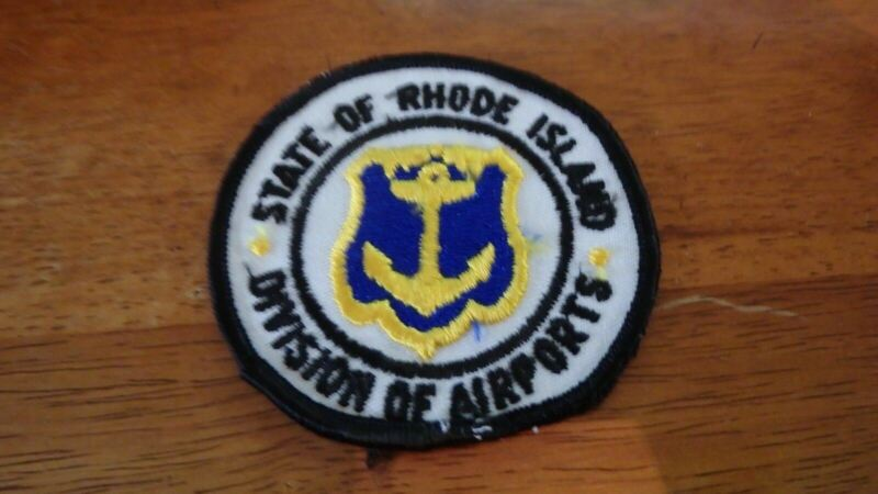VINTAGE STATE OF RHODE ISLAND DIV OF AIRPORTS OBSOLETE SHOULDER PATCH  BX 11#1