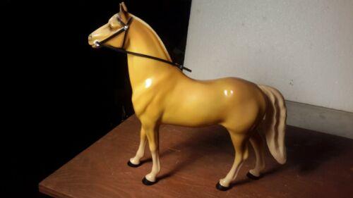 "HARTLAND  ""CUSTER""  Palamino Western Model Figure Excellent"