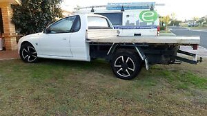 Immaculate vz v6 manual ute Craigie Joondalup Area Preview