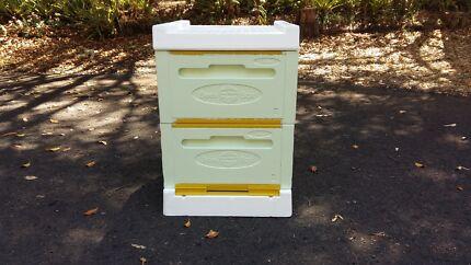 Polystyrene beehive box kit (Paradise) for sale