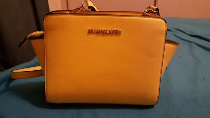 Michael kors shoulder bag  Park Ridge South Logan Area Preview