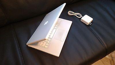 """Apple MacBook White 13"""" MB881LL/A 250GB HDD 2 GHz 4GB RAM OS El Capitan. Office"""