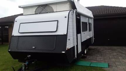 2000 Pedigree GLX ELITE Pop Top Caravan