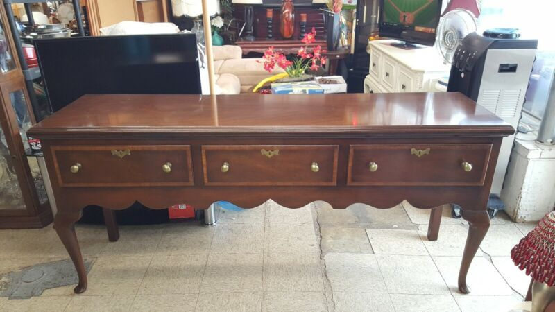 Nice KITTINGER Colonial Williamsburg Mahogany Sideboard Buffet CW148 With Key