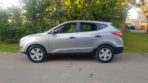 2012 Hyundai Tucson GL  1 OWNER AUTO 4CYL LOADED BLUETOOTH LOW K