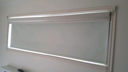 Double Roller blind - transparent and block out