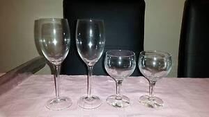 4x mixed wine glasses VGC Beeliar Cockburn Area Preview