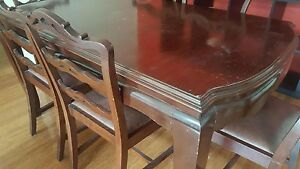Dining table and chairs South Yarra Stonnington Area Preview